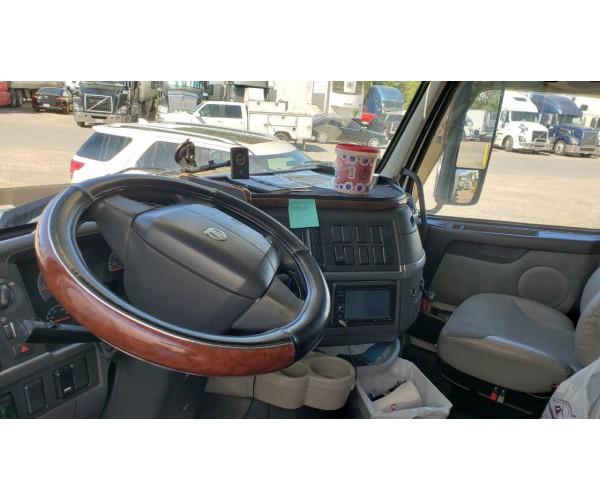 2008 Volvo VNL 670 in CA