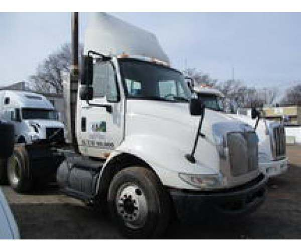 2009 International 8600 Day Cab 3