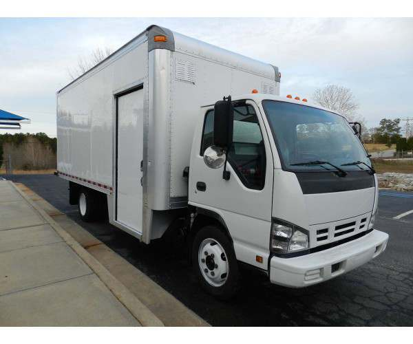 2007 Isuzu NQR 18' body truck - NCL Truck Sales
