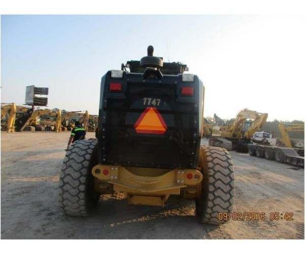 2014 Caterpillar 140M2 Motor Grader 4