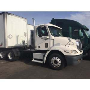 2006 Freightliner Columbia Day Cab