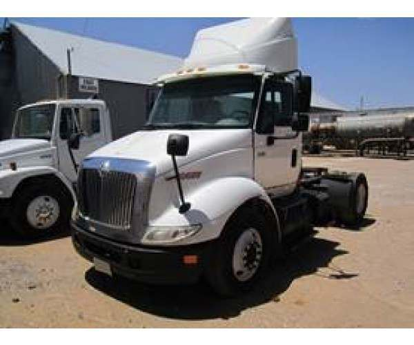 2006 International 8600 Day Cab S1043