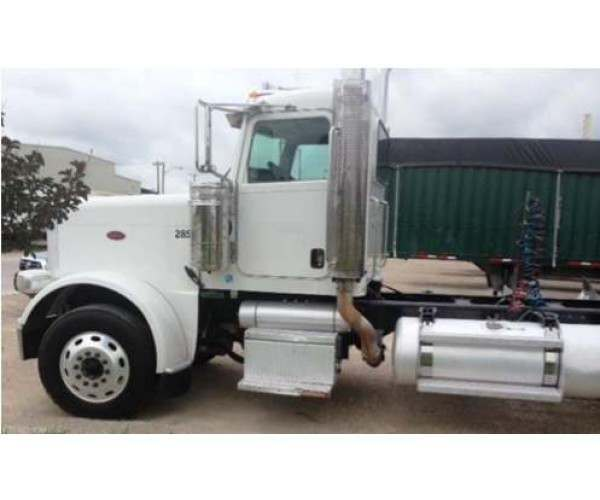 2008 Peterbilt 388 Day Cab 4