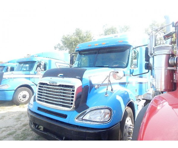 2006 Freightliner Columbia in MI
