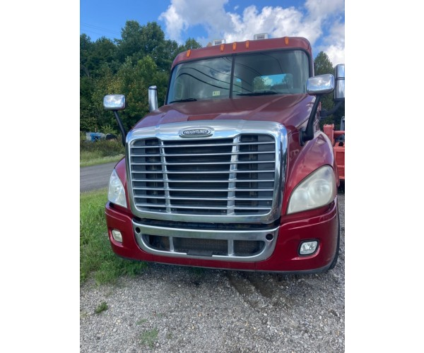 2010 Freightliner Cascadia Day Cab