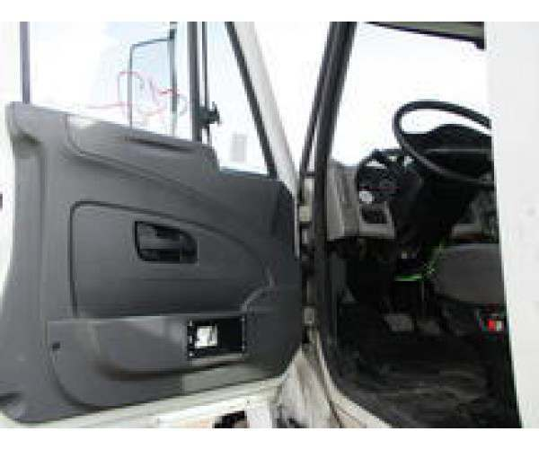 2009 International 8600 Day Cab 9