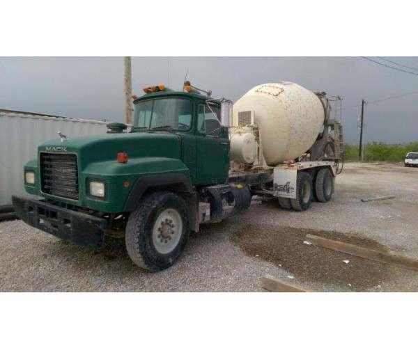 1996 Mack RD690S Mixer Truck 1