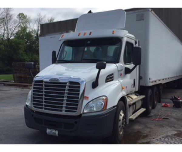 2013 Freightliner Cascadia Day Cab in NY