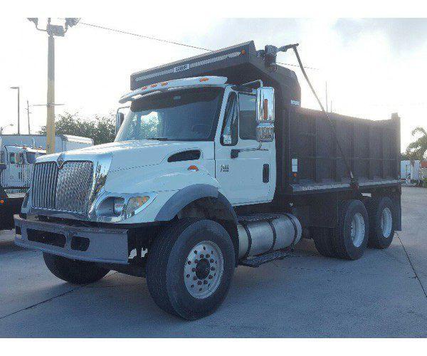 2004 International 7400 Dump Truck 1
