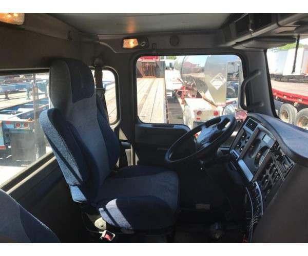 2010 Kenworth T800 Day Cab in VA