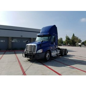 2014 Freightliner Cascadia Day Cab in TN