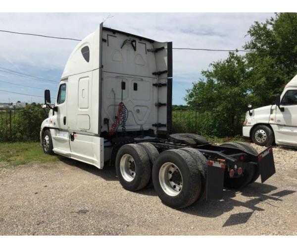 2015 Freightliner Cascadia in TX