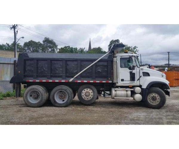2006 Mack CV713 Dump Truck1