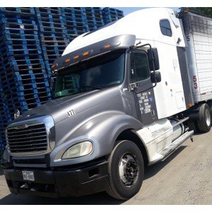 1998 Freightliner Century in PA