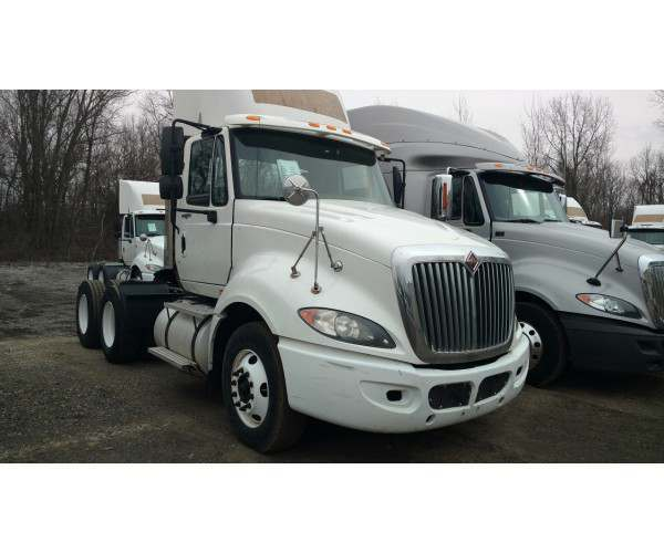 2009 International Prostar Day Cab 1