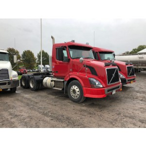 2010/11 Volvo VNL 300 Day Cab