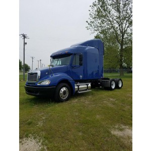 2005 Freightliner Columbia in MO