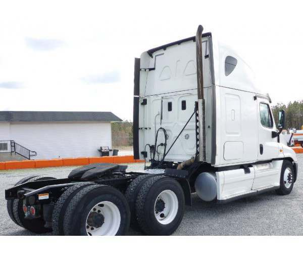 2014 Freightliner Cascadia 12