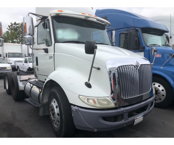 2007 International 8600 Day Cab in CA
