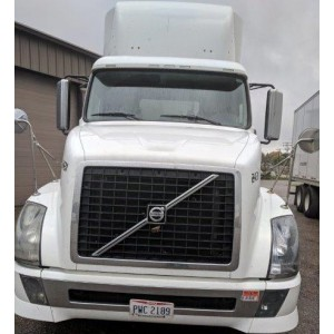 2012 Volvo VNL 300 Day Cab