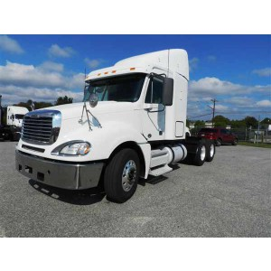 2010 Freightliner Columbia in IL