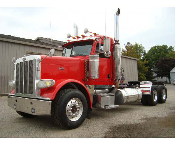 2008 Peterbilt 388 Day Cab 5