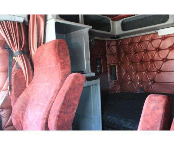 2007 Freightliner FLD120 11