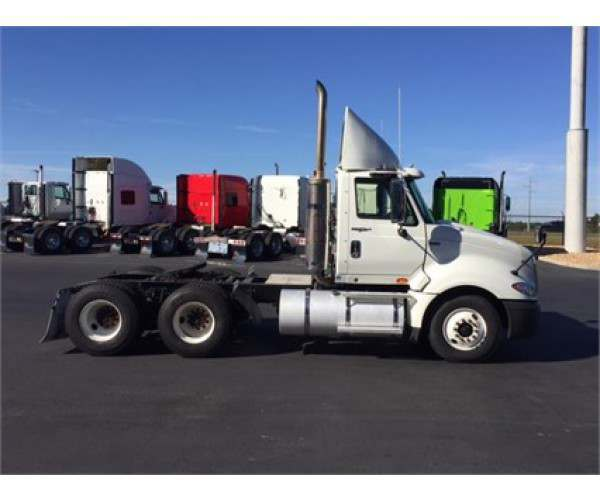 2013 International Prostar Day Cab3