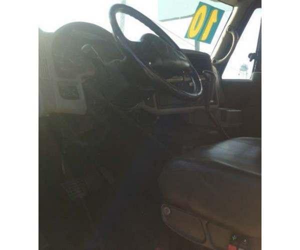 2010 International 8600 Dump Truck 3