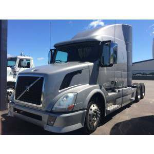 Trucks With Sleepers For Sale Volvo Freightliner