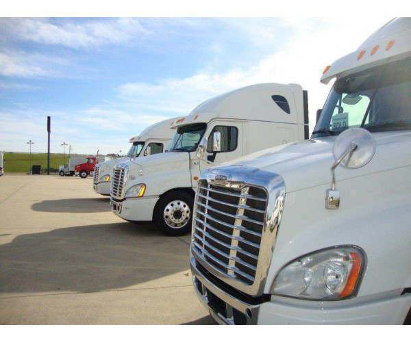 2014 Freightliner Cascadia8