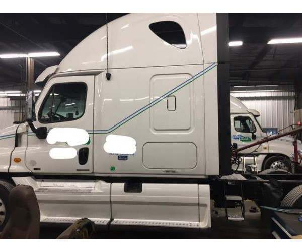 2012 Freightliner Cascadia 11