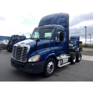 2015/16 Freightliner Cascadia Day Cab in PA