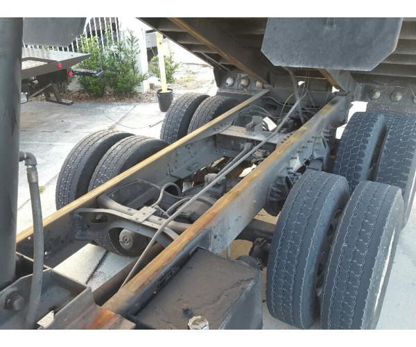 2004 International 7400 Dump Truck 4