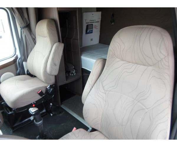 2012 Volvo VNL 670 11