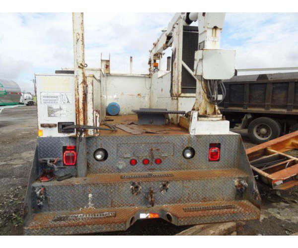 1998 International 4900 Knuckleboom Crane 7