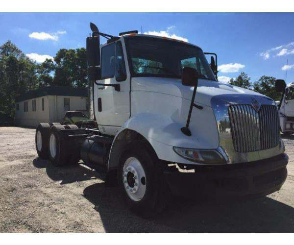 2009 International 8600 Day Cab1