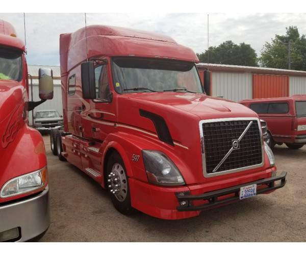 2011 Volvo VNL 730 in SD AG1042