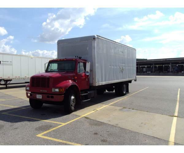 2000 International 4700 Straight Truck 2