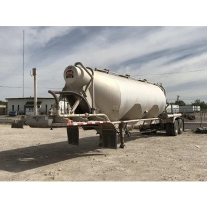 2007 Vantage Pneumatic Trailer in TX