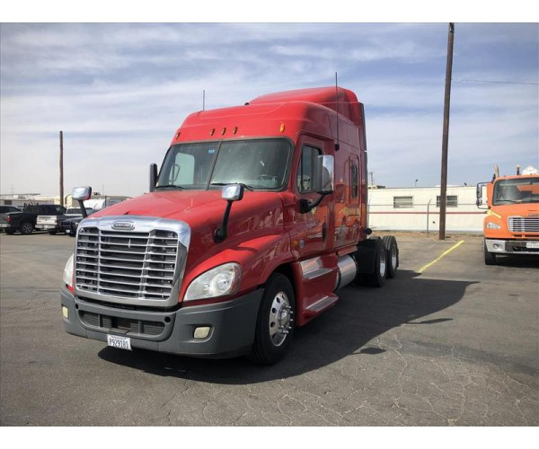 2013 Freightliner Cascadia in TX