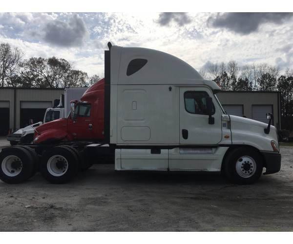 2014 Freightliner Cascadia 16