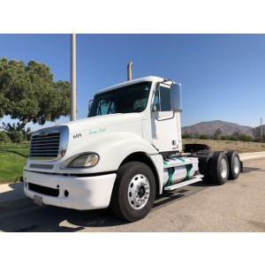 2009 Freightliner Columbia Day Cab in CA