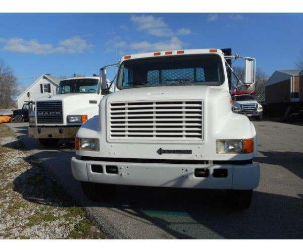 1997 International 4700 Flatbed Truck7