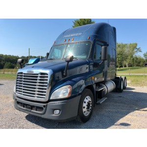 2013 Freightliner Cascadia in TN
