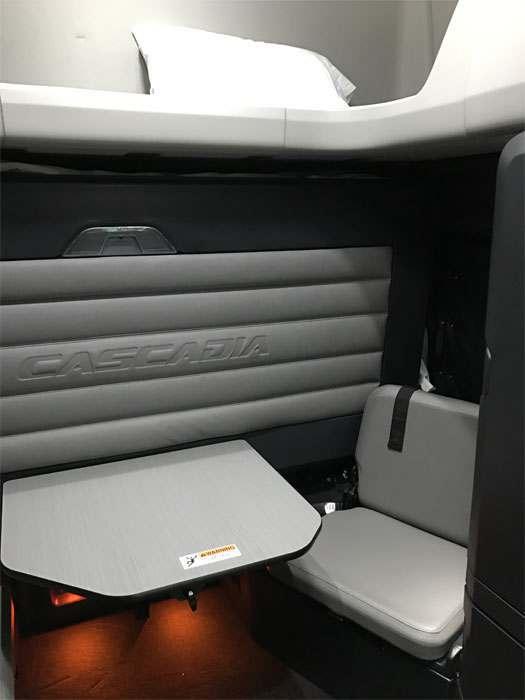 New Cascadia bunk - workstation